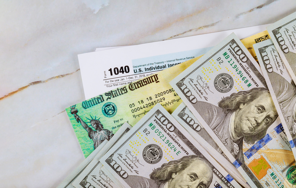 Stimulus check, cash, and tax form