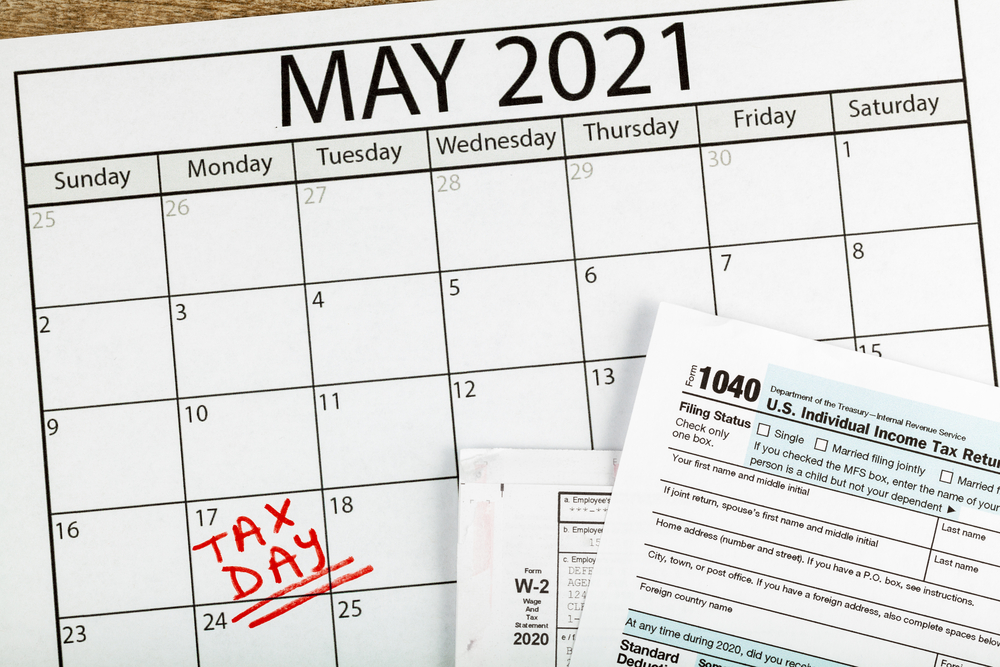 May 2021 calendar with new tax deadline marked